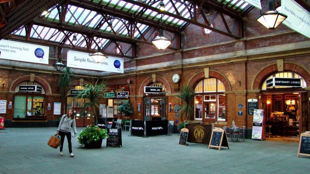 Vestíbul principal de l'estació completament restaurat.