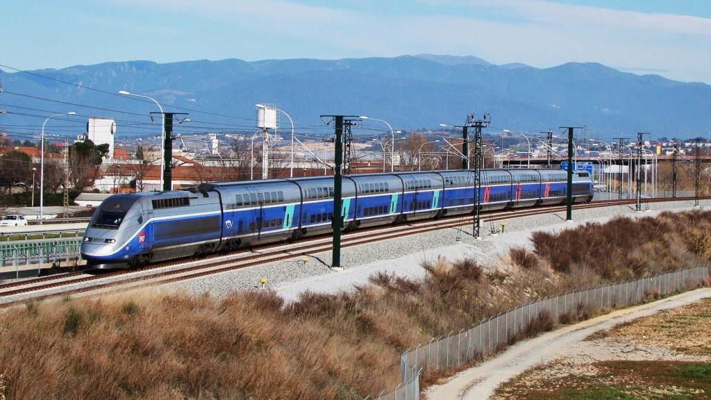 Primer TGV que arribava a Barcelona en probes. Mollet del Vallès. 12/02/2013. Autor: Adrià Pàmies.