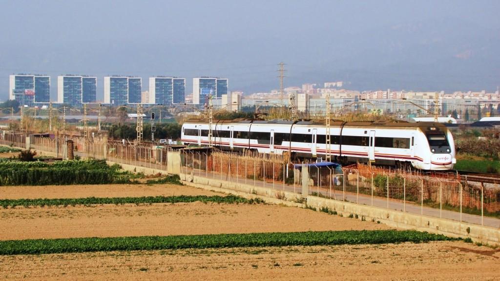 Primera circulació del Regional Exprés . 20/03/2014. Viladecans. Autor: Adrià Pàmies.