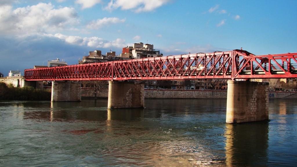 Estat actual del viaducte del riu Ebre a Tortosa. Foto: Adrià Pàmies, 2013.