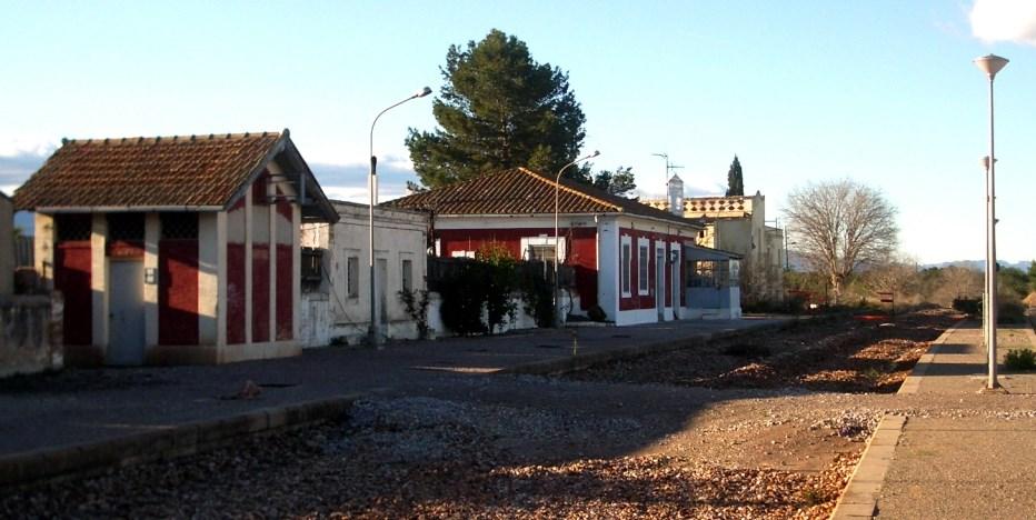 Foto 1. Antiga estació de Santa Bàrbara. Autor: Adrià Pàmies, 2007.