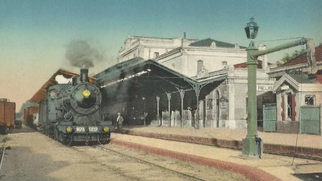 Foto 1. Tren estacionat a l'estació de MZA de Reus. Autor: Postal d'època.